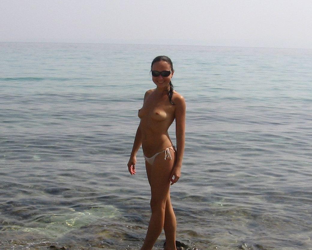 Частное фото девчонок на море 14 фотография
