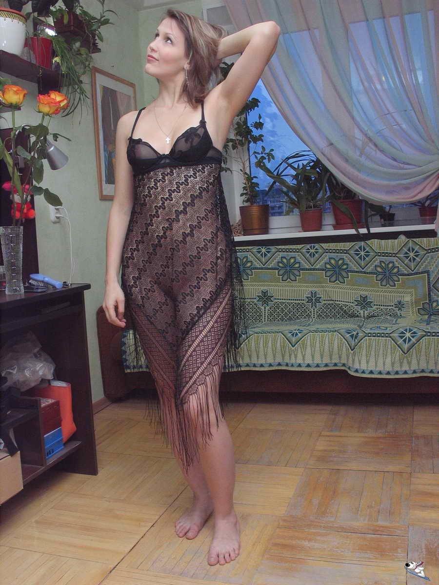 Частные фотогалереи и фотоархивы женщины в прозрачной обтягивающей одежде 24 фотография