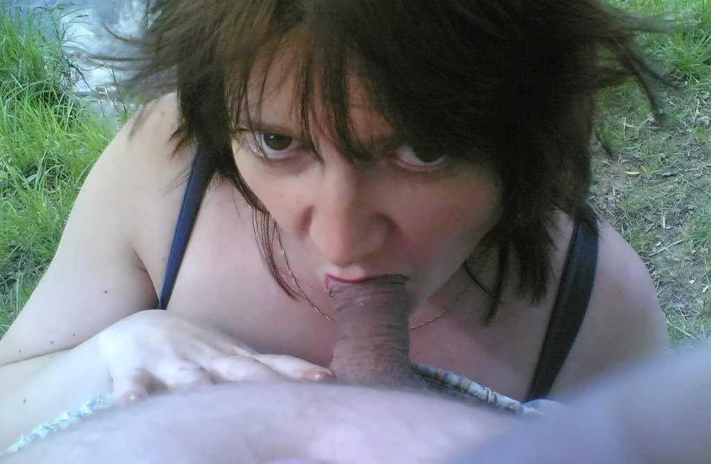 Вашу любительниц орального секса девушки трусиках она