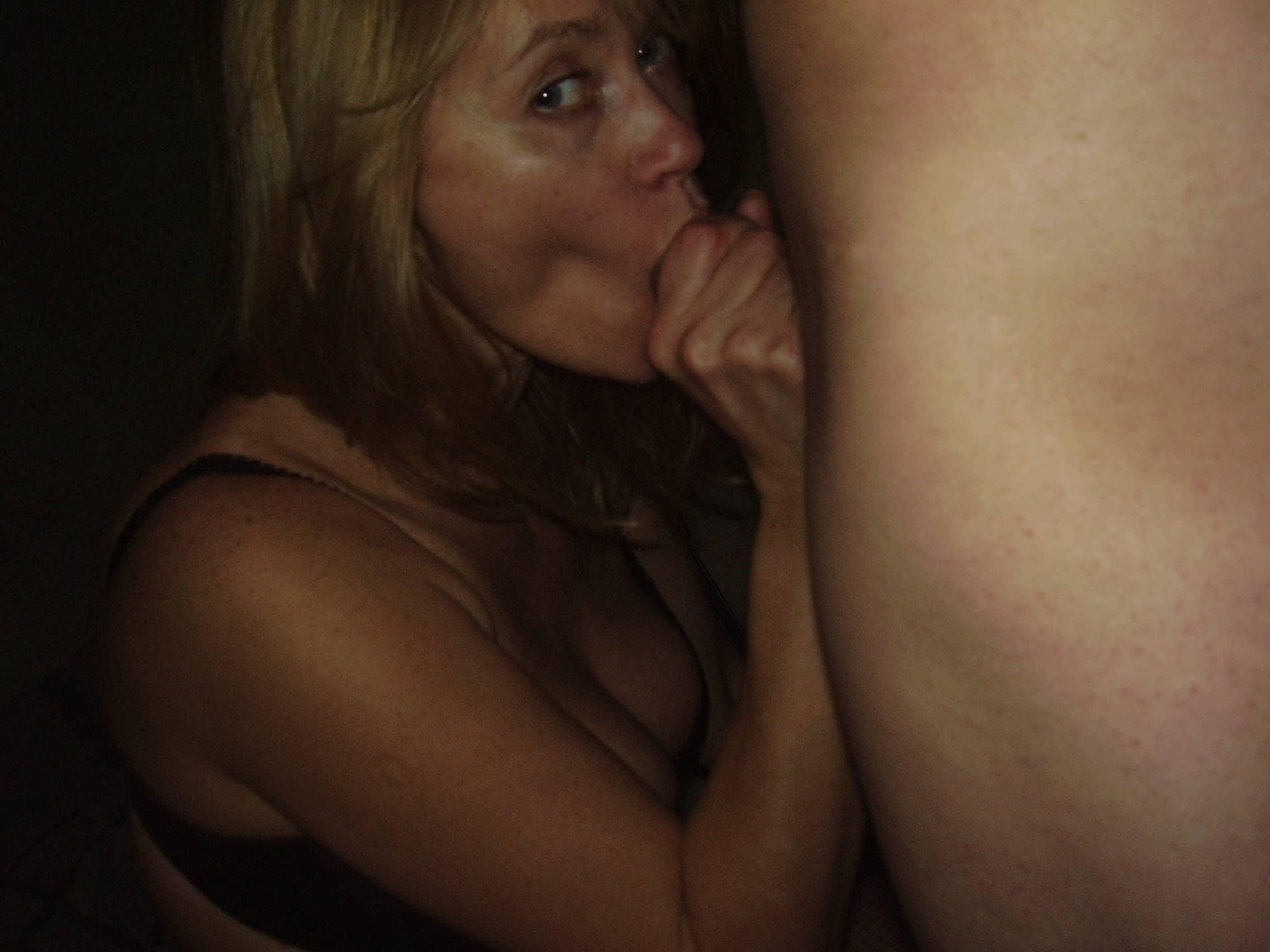 старая бабушка любят фото секс молодой парням