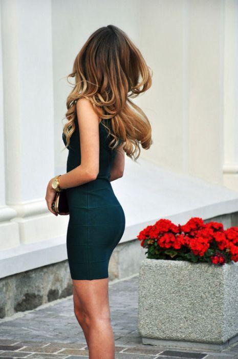 картинки попки девушек в платьях