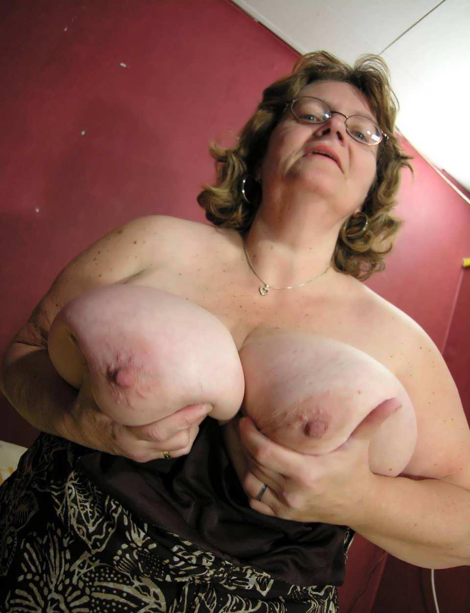 порно бабушки с фалоиметатором