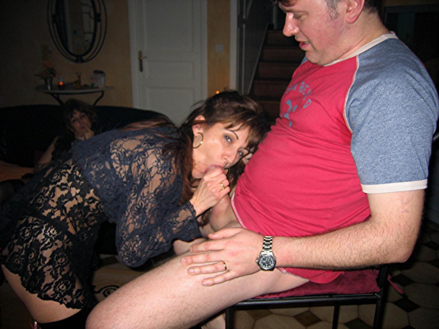 Семейная пара меняется партнёрами 16 фотография