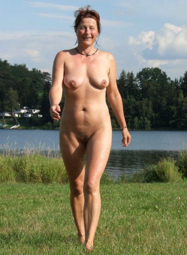 Фото голых старых нудисток