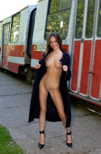 Голые пизды на улице фото 404-112