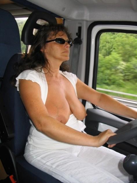 жена прислала порно фото в трусах