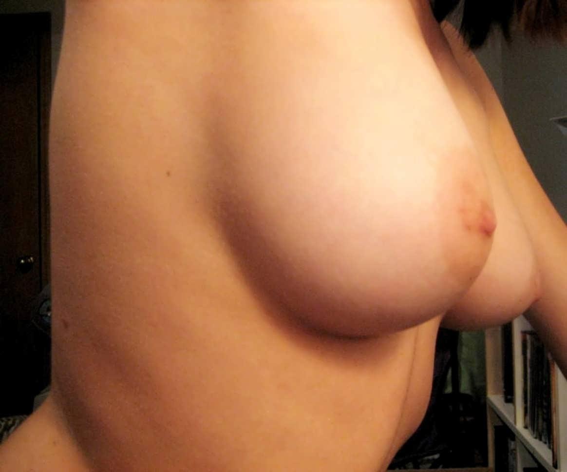 Частные фото груди 1 размера 16 фотография