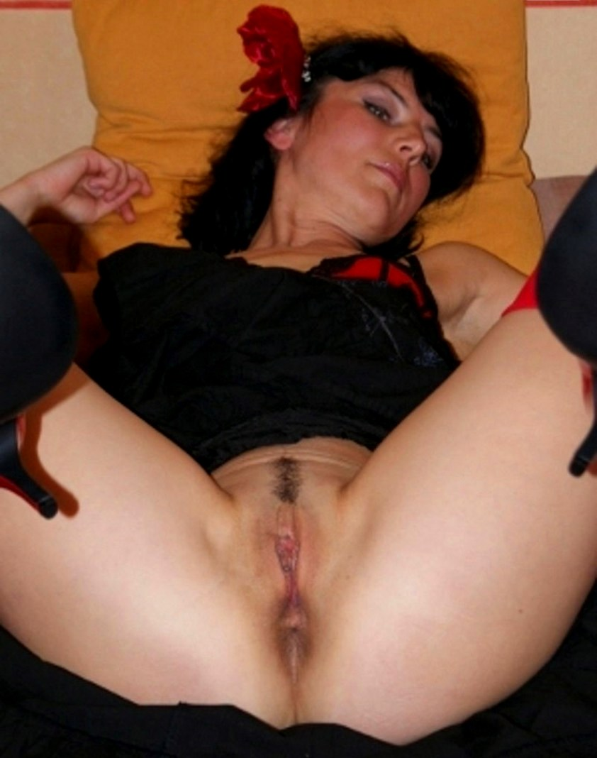 фотографии женские ножки и ступни в чулках телесного цвета