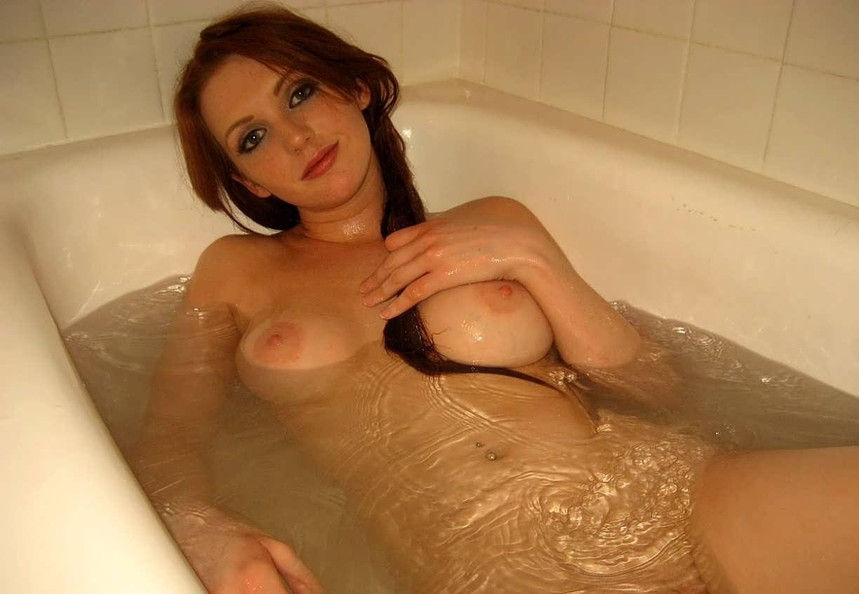 Сисястые бабы в ванной в хорошем качестве фотоография