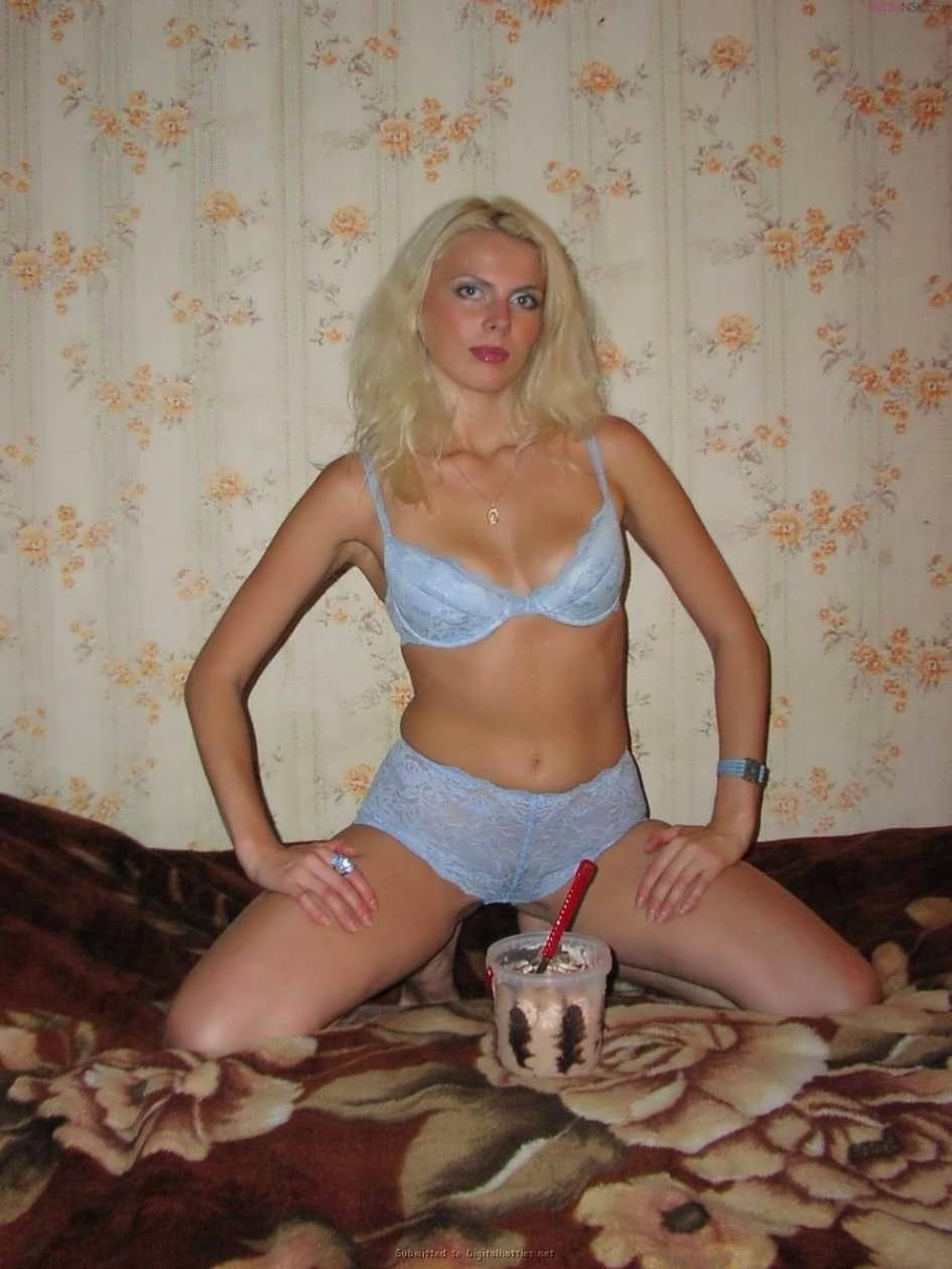 russkaya-zrelaya-blondinka-video