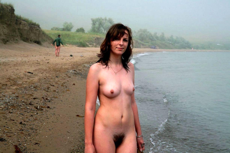 Частные фото женщин на пляже эротика, Голые зрелые женщины на пляже (41 фото) Зрелые 5 фотография