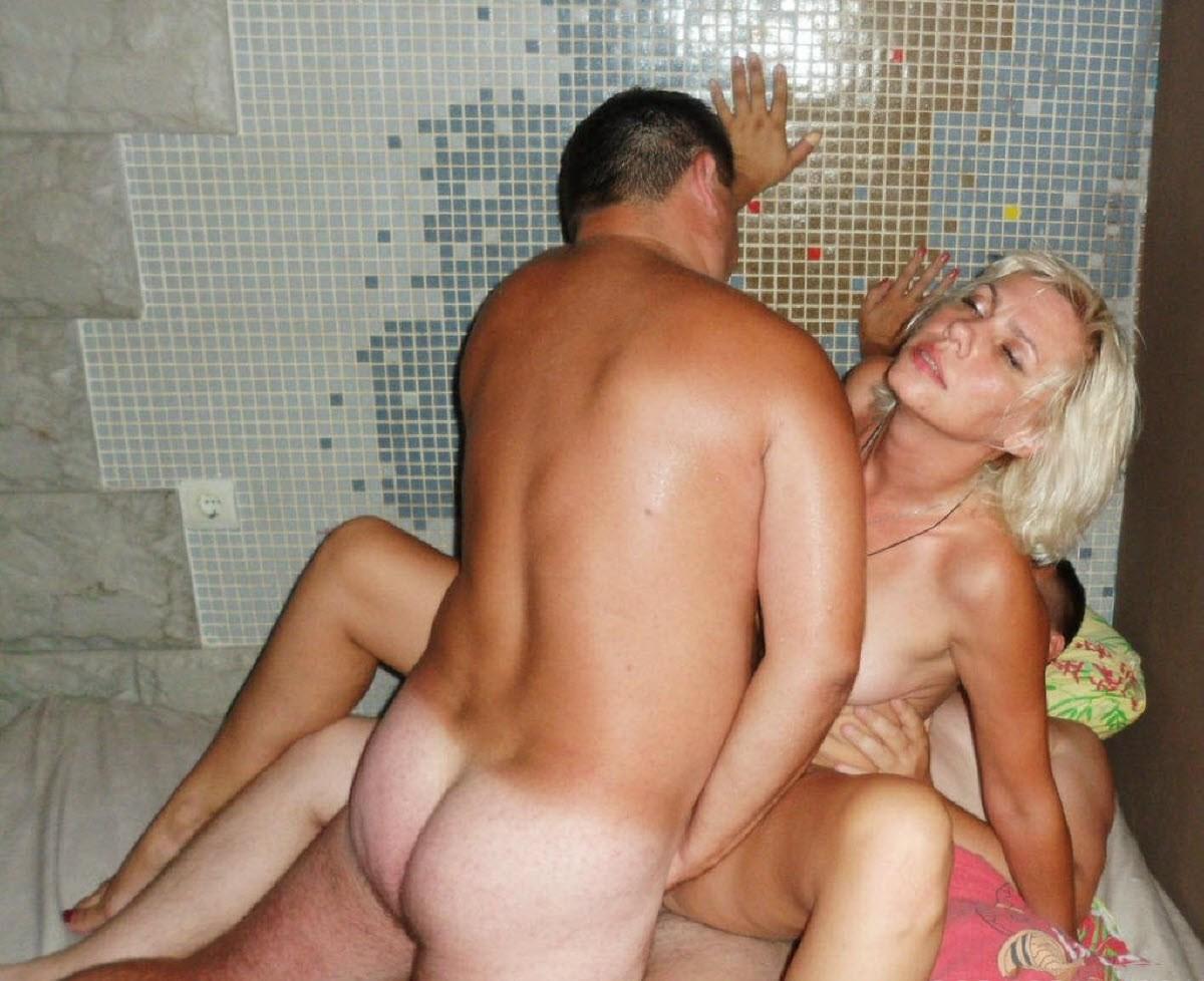 Секс чужой жены при муже, Русская жена при муже -видео. Смотреть русская 3 фотография