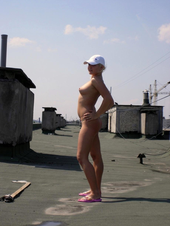 Фото женщины голые на крыши 10 фотография