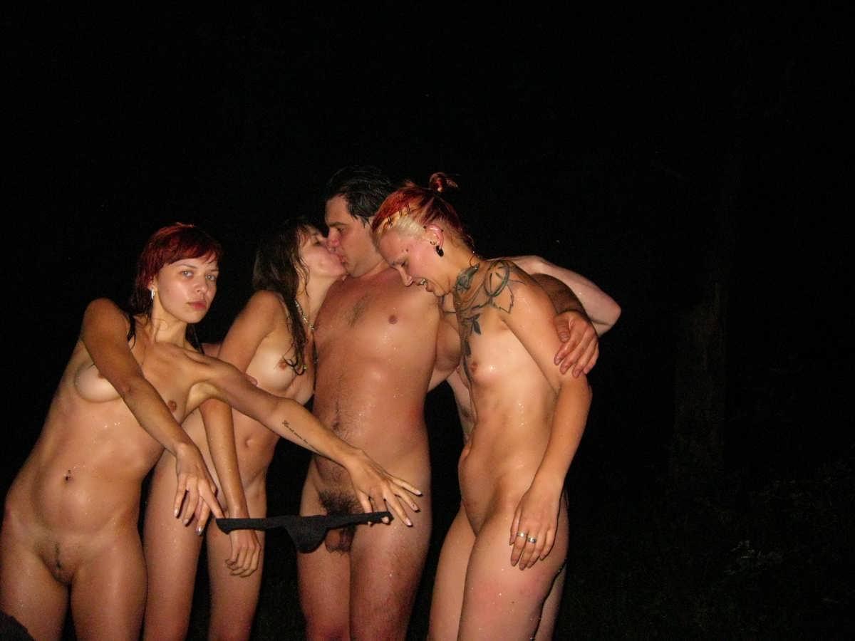 Частные фото голых мужчин и женщин, Голые семейные парыфото девушек и парней 3 фотография