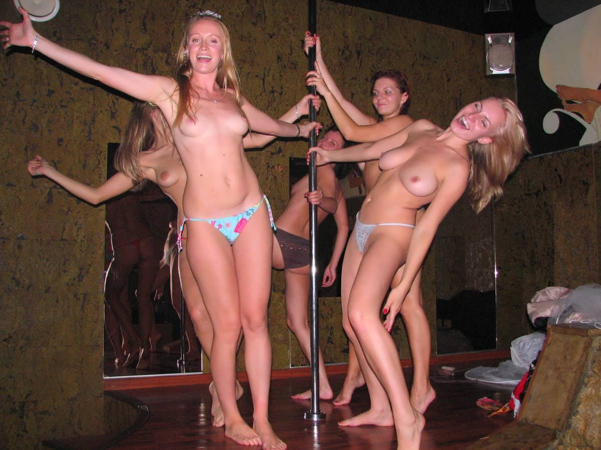 девки зажигают порно фото