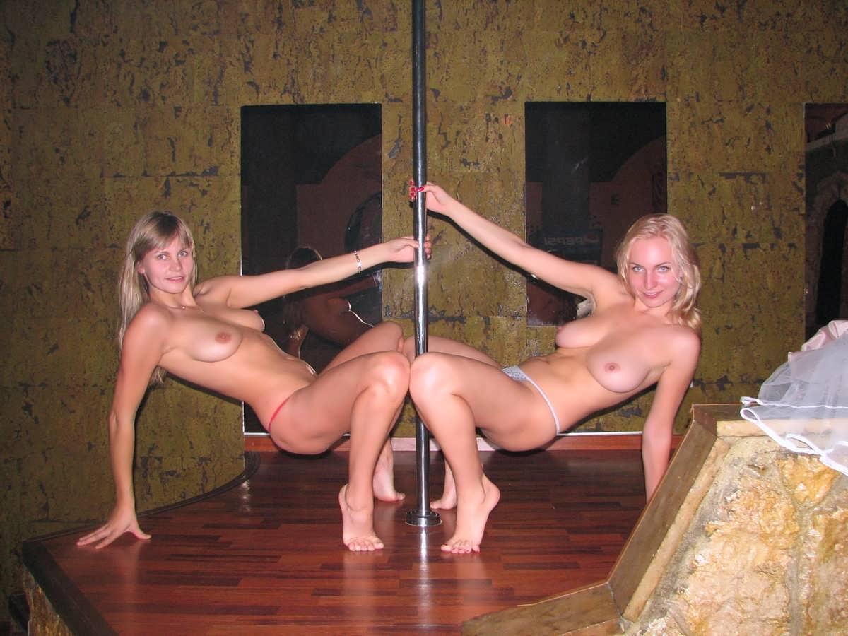 Смотри голые девицы на вечеринке 14 фотография