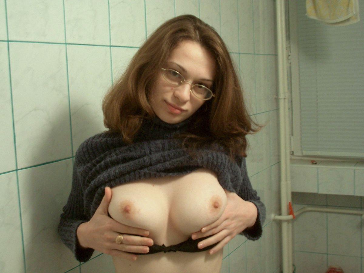Русская учительница показала сиськи