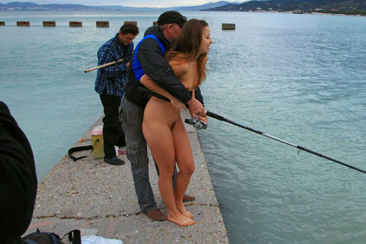 Голые И С Мешние На Рыбалке