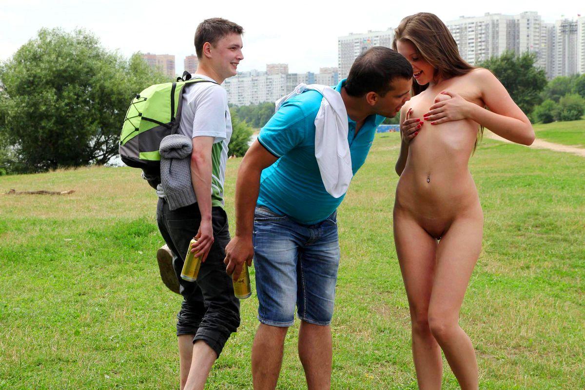 Фото Девушек Голых Обнаженных Для Мужчин Раздеваются