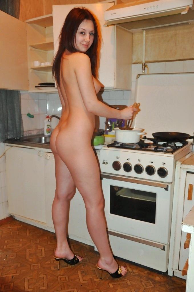 Видео голая жена накухне фото 241-104