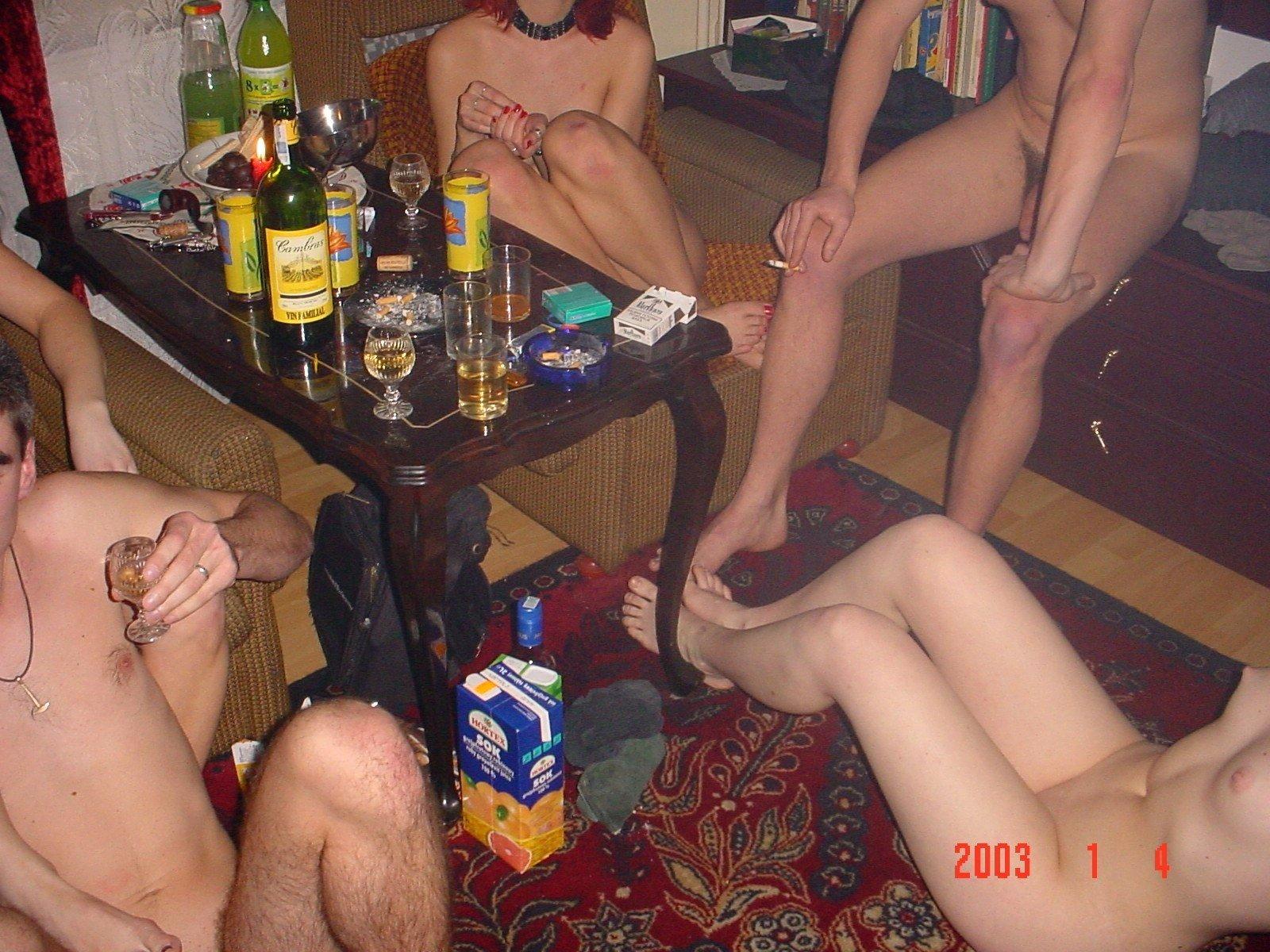 На вечеронках секс фото домашних