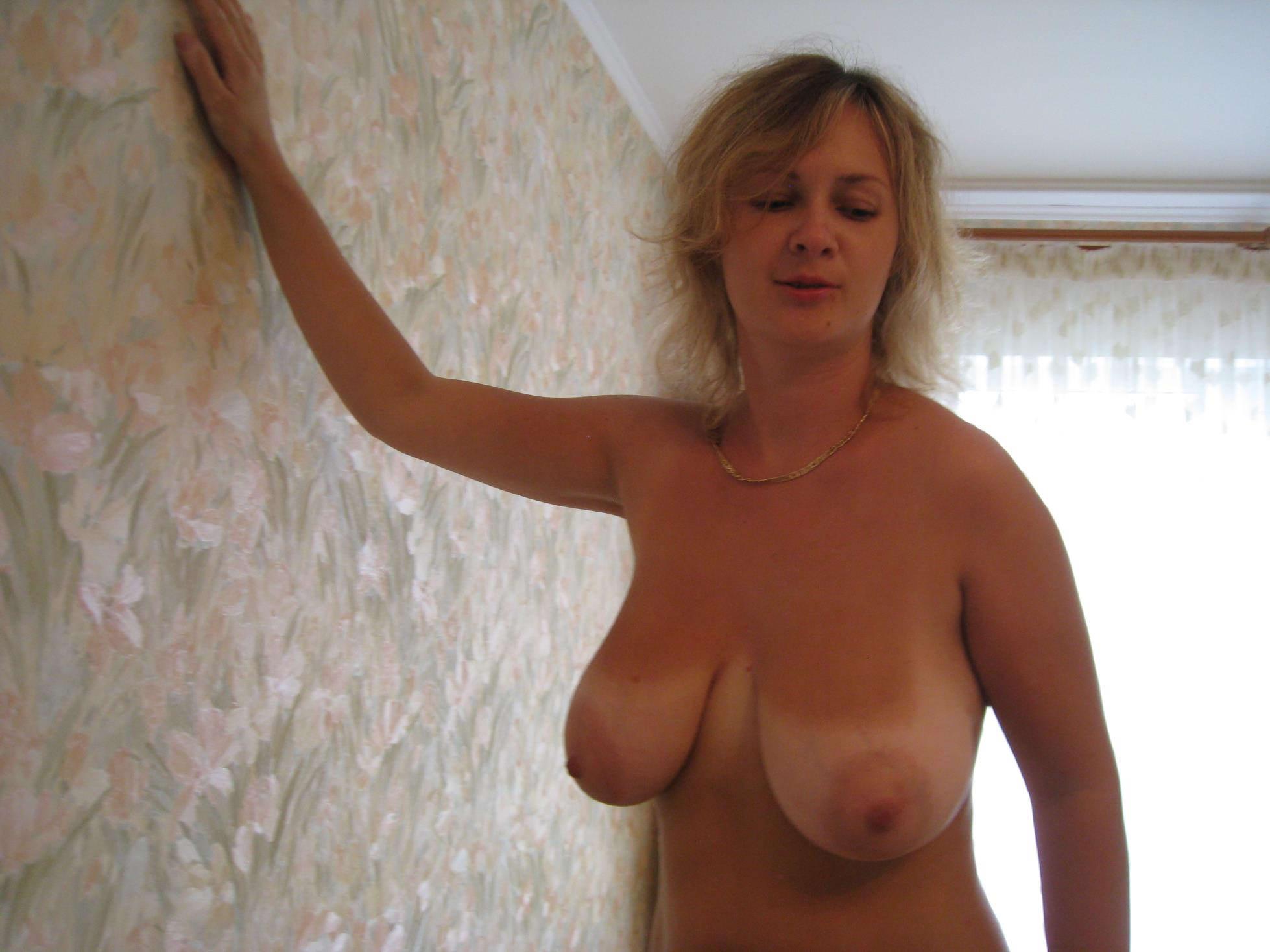 Частное фото грудастые бабы, Сисястые зрелые мамочки хотят интимных резвлечений 4 фотография