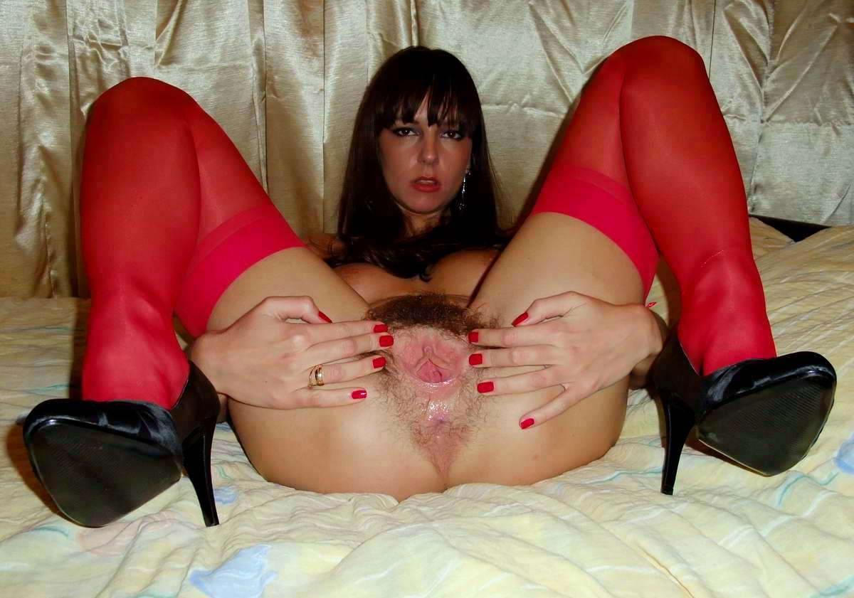 девочка показывает пизду порно