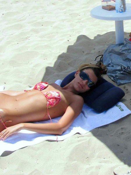 голые загорелые жены фото