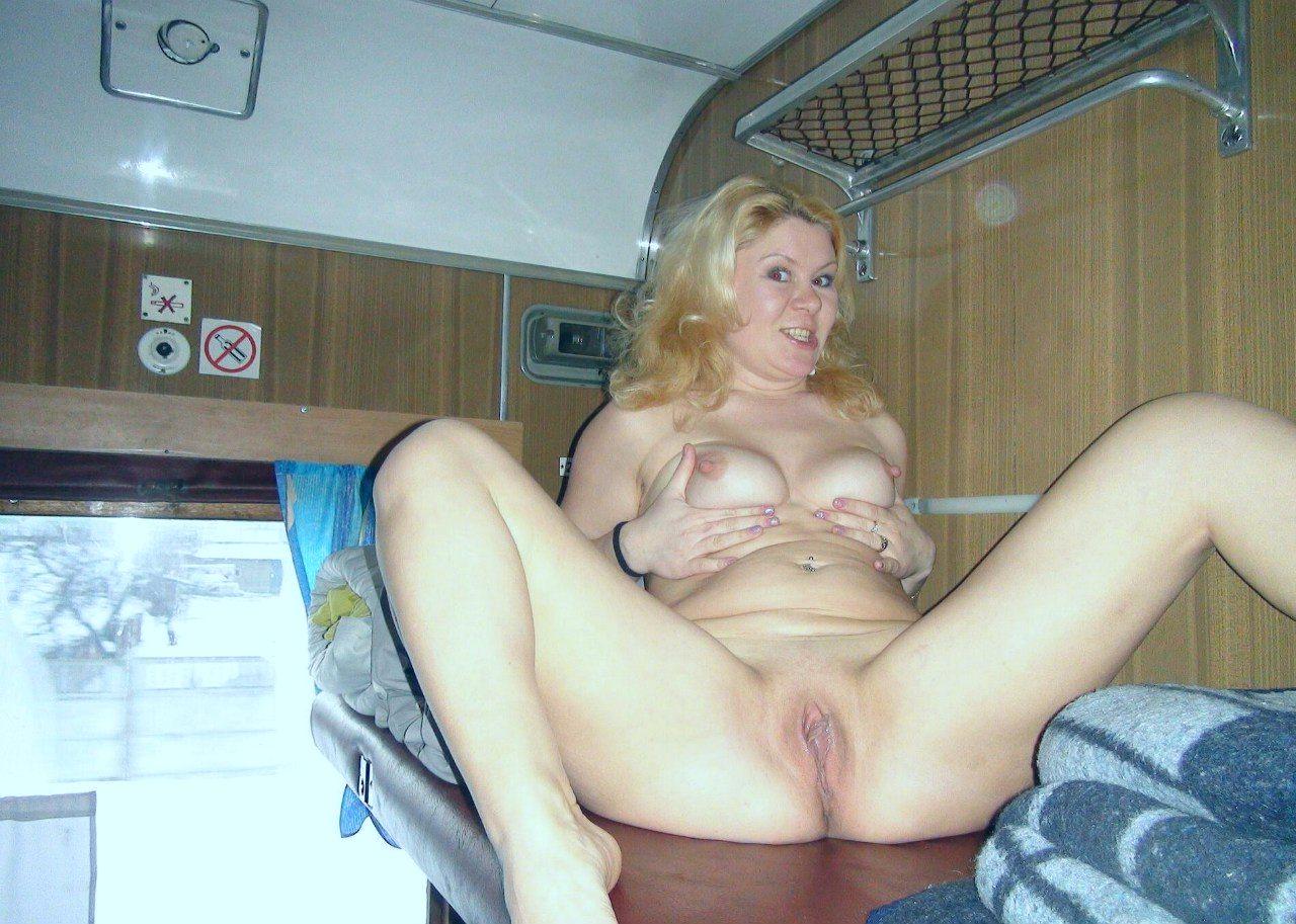 Трахнул в купе проводницу, Русский секс с проводницей поезда 5 фотография