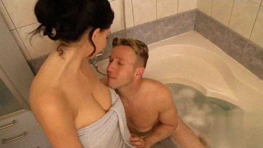 Хозяйка фото секс в бане с женами