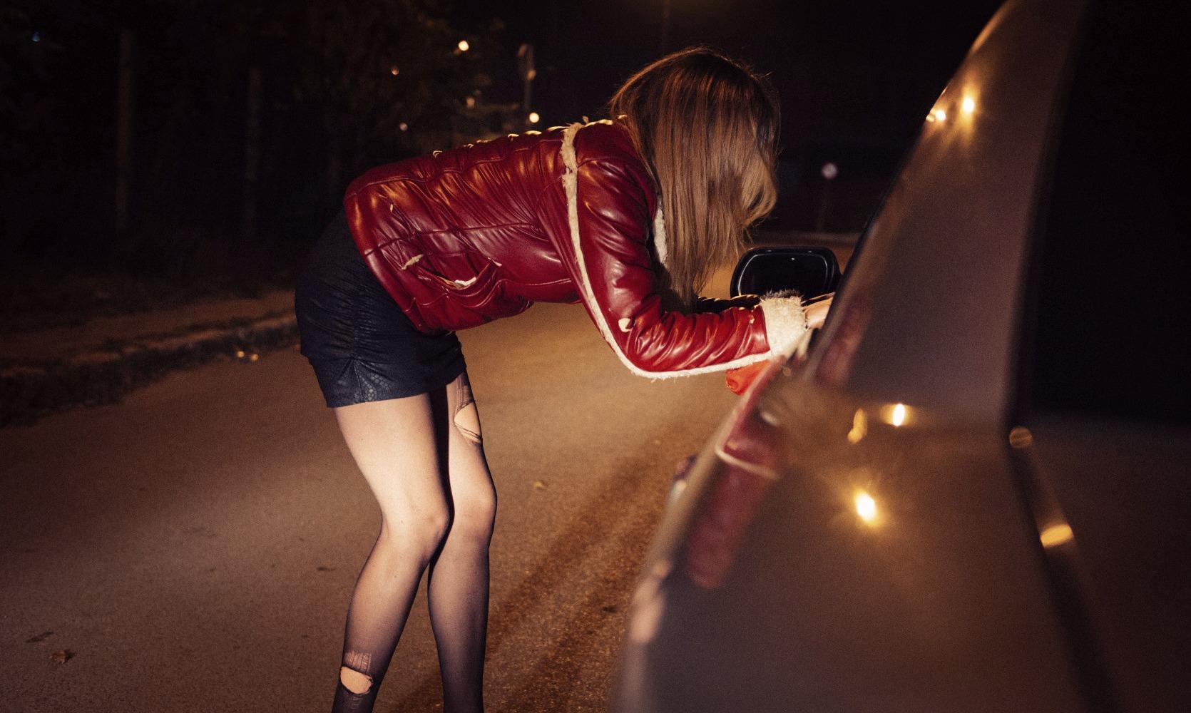 Снять проститутку в Тюмени пер Дорожный проститутки к керчи